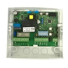 MC200 блок управления для одного привода с напряжением питанияя 230В и максимальной мощностью до 950Вт Nice