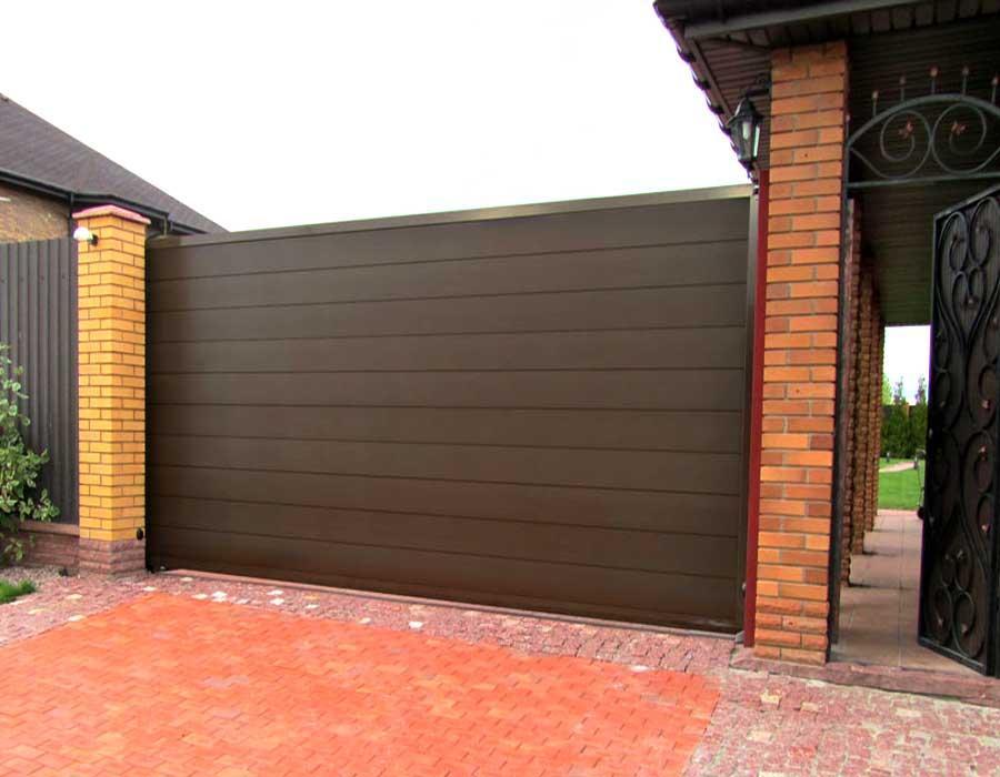 Откатные ворота Alutech 3000x2460 мм.