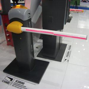 GARD 3000 — комплект шлагбаума CAME G3000 для правостороннего или левостороннего монтажа
