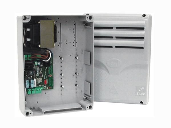 ZL22 Блок управления Блок управления для одного барьера с возможностью подключения 3 плат расширения 002LM22 для управления всего 4 парковочными барьерами